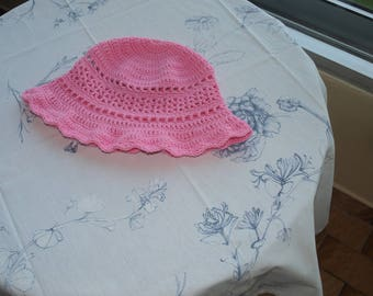 ROSE SIZE 18 MONTHS CROCHET HAT HAS 2 YEARS