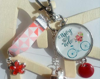 """Keyring """"enjoy the ride"""" bicycle vintage cabochon red tone"""