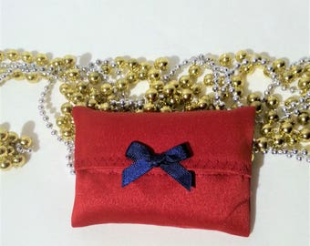 pockets for handkerchiefs, hankies, small size case