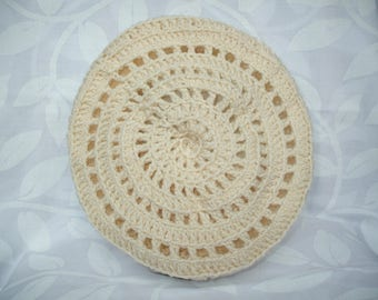 Hand crocheted beret color ecru