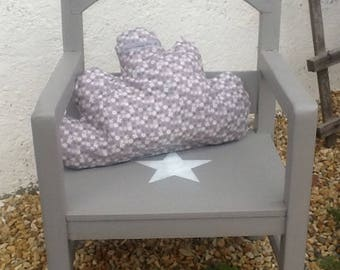 CHAIR IN WEATHERED WOOD FOLK ART VINTAGE TAUPE AND CLOUD CUSHION