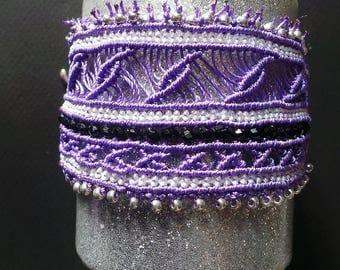 Rustic bracelet, a macramé beaded a love affair