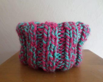 snood knitted with a chunky wool acrylic