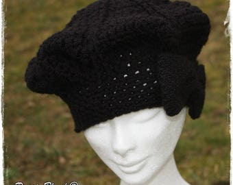 Beret black women crochet french touch decorated with a bow tie.