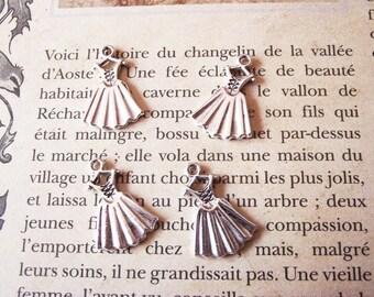 """charm 2 """"lace dress"""" silver metal"""