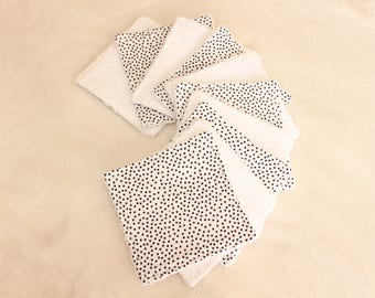 Set of 10 wipes / cotton pads