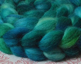 6,91oz. Alpaca Handdyed roving top for spinning