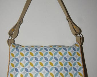 Kids Messenger bag with geometric patterns