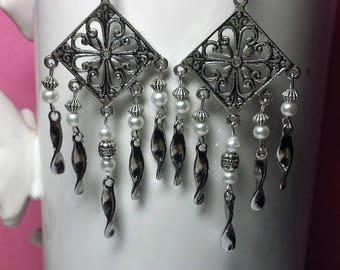 Earrings arabesques tassels pearls