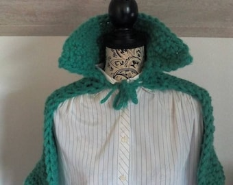 Cape shawl with jade wool collar