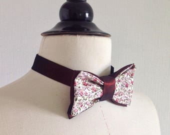 Tied bow tie, reversible and adjustable