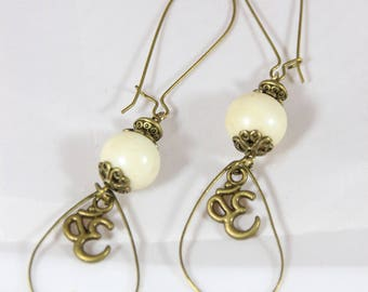 beautiful glass bead earring and antique bronze