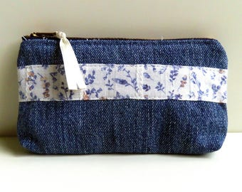 Wallet. Upcycling. Blue Denim and flowers.