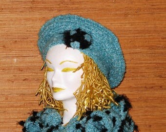 Set winter beret and boa scarf, woman and girl in Blue Heather, crocheted hand, gift for re-entry.