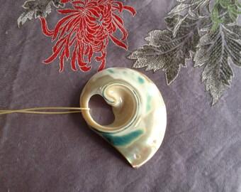Long necklace mi - shells on a long removable Ribbon