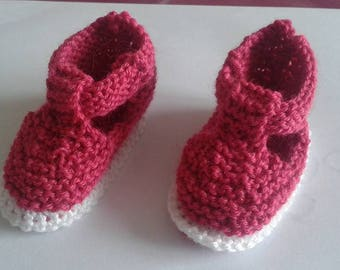 Raspberry pink booties for newborn