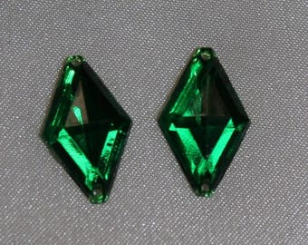 18mm x11mm - green diamond shaped rhinestones