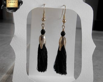 Dangling earrings black tassels