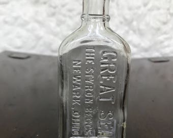 Antique Bottle:  great Seal Styron Beggs &Co. Newark, Ohio