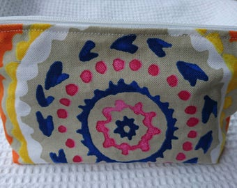 small pouch for makeup or other secrets