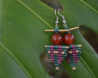 "Macrame brass earrings ""Djoliba Cornelian"" carnelian beads"