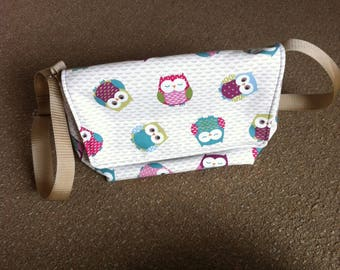Owl Messenger bag, medium size, adjustable strap, velcro fastening. Great present!