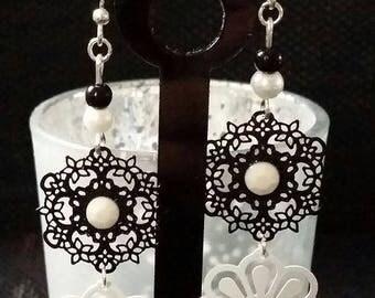 """""""Black & white flower"""" earrings 6 cm"""