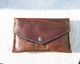 Joke tobacco Brown waxed leather, raw, but chic, classic and understated, for men or women