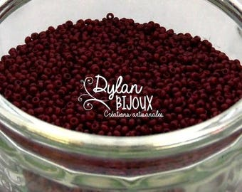 10 grams seed beads opaque dark red burgundy ⌀ 2.3 mm 10/0 beads