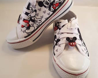 Customised canvas pumps child size 9, cartoon image