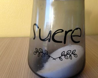 "sticker ""sugar"" can easily be placed on glass or plastic jars"