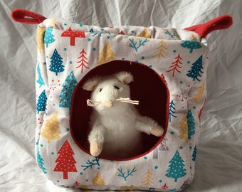 Small animal cube hammock- Christmas Trees