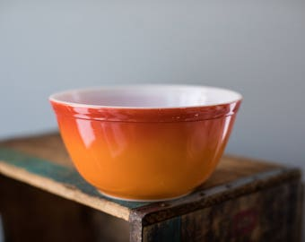 Vintage 1970s Pyrex 402 Flameglo Orange Red Ombre Nesting Mixing Bowl