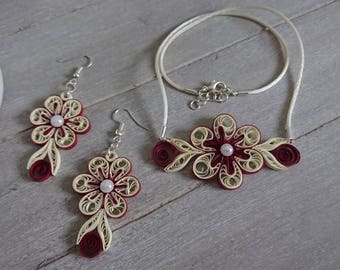 """Jewelry set series """"Romance"""" in red and cream"""