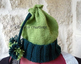 hand knitted Green Hat 2-4 years.