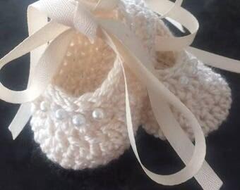 Ballerina  crochet baby slippers