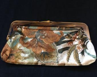 Vintage Cloth clutch/purse with Bakelite handle