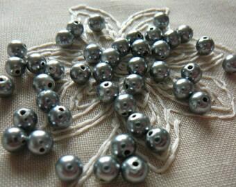 40 beads gray, round, 6 mm diameter, pack of 40