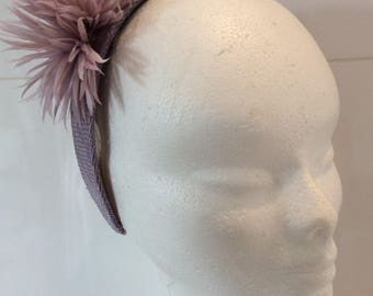 Fiona - headband - Purple Purple sinamay, flowers purple parmes assorted feathers