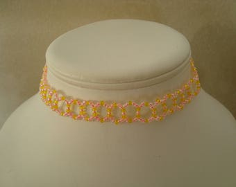 Pink and yellow seed beads necklace