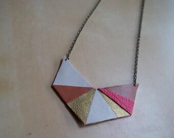 In imitation leather chevron pendant necklace