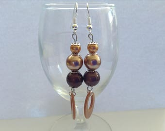 Stunning pair of dangle Brown earrings with 3 pearls