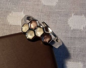 Honeycomb / molecule silver plated ring with pearl and blush detail - Adjustable to fit - Jewellery - Choose colours.
