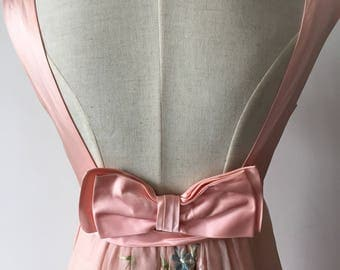 Gorgeous 1950s pretty in pink party dress