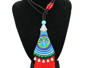 Colar Bordado Tradicional/ Long Chain Necklace with Tassels