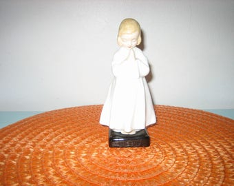 Vintage Royal Doulton Bedtime Figurine 1978 - Royal Doulton Praying Girl Figurine - 1970s Royal Doulton
