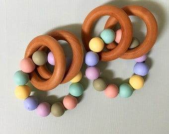 Pastel Rainbow Rattle Ring teether