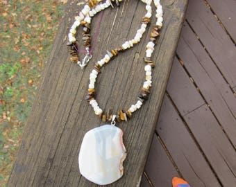 Brown/white rocks w/stone necklace