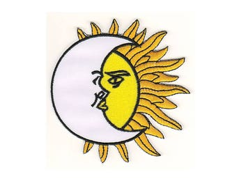 Ac03 Yin Yang Sun Moon mysticism Patch Ironing Application patches size 8 x 8.5 cm