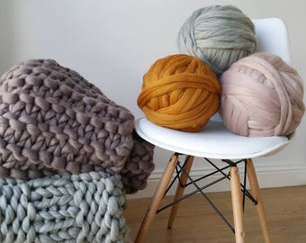 Giant merino wool in balls. Italy product. Giant yarn Wool chunky jumbo. ARM knitting Blankets Valentine's Day. Blanket Valentine